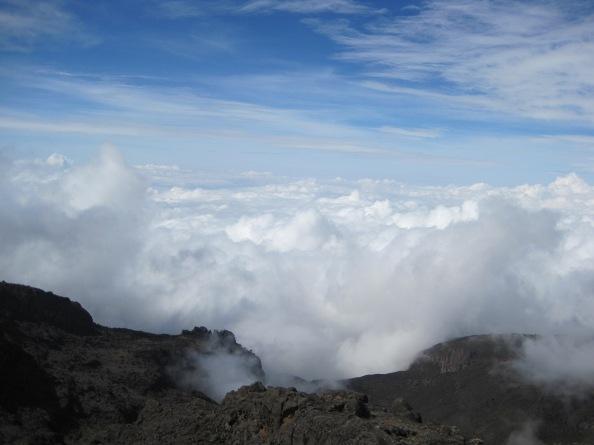 Экспедиция 7 Вулканов Лаборатории Касперского - Ольга Румянцева одна на Килиманджаро