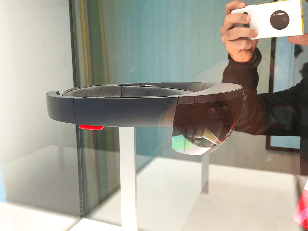 Microsoft HoloLens: a hands-on experience