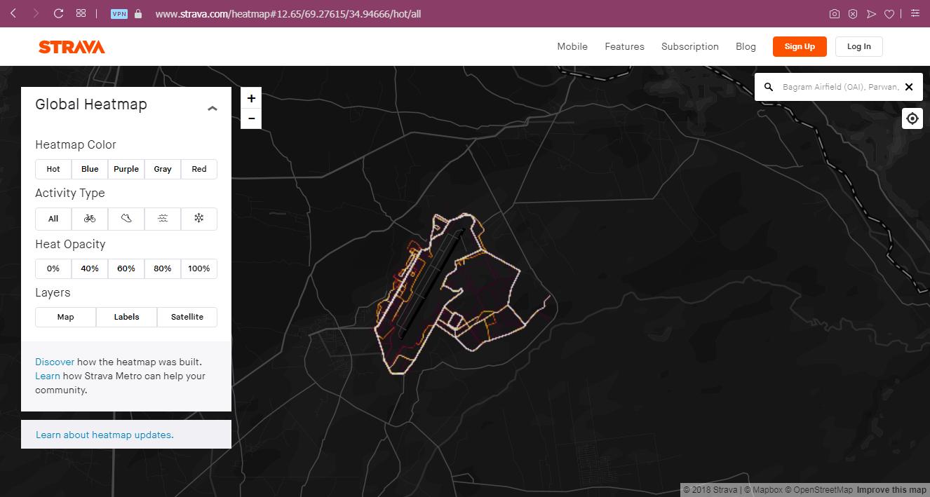 """Los movimientos de los soldados en una base militar de los EE.UU en Afganistán se muestran en un mapa de actividades de Strava <a href=""""https://www.strava.com/heatmap#12.19/69.26844/34.94082/hot/all"""">Fuente</a>"""
