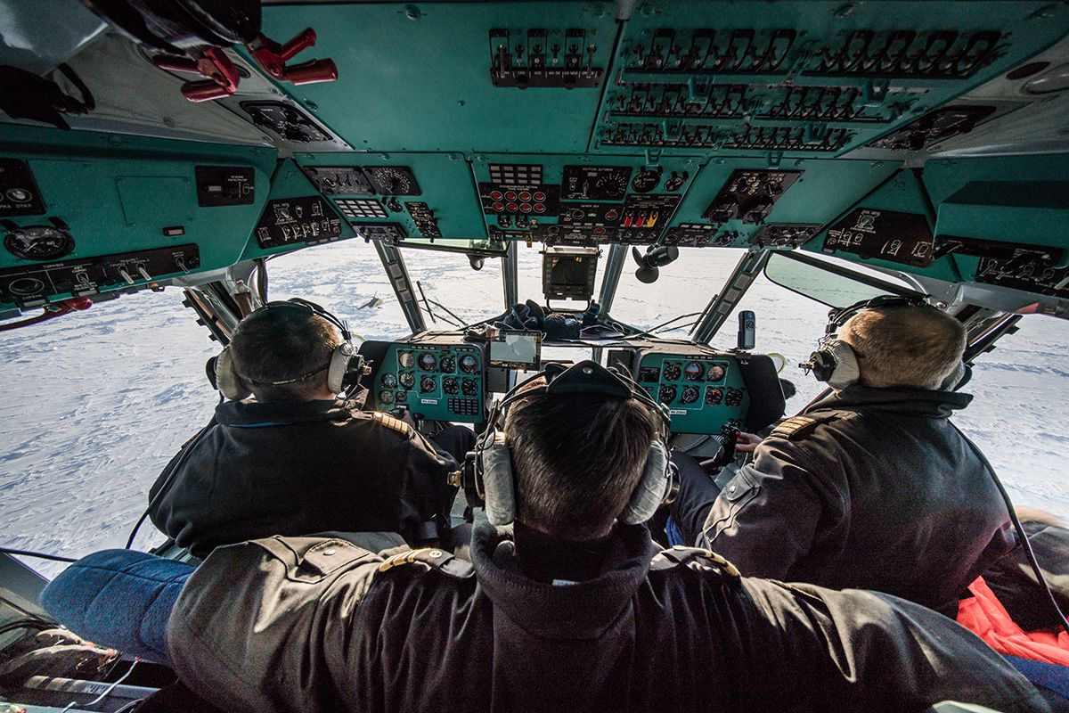 26.-Cockpit-view-of-the-pack-ice-from-the-Mi-8-helicopter-flying-in-formation-to-the-final-expedition-drop-off-point-Photo-by-Renan-Ozturk