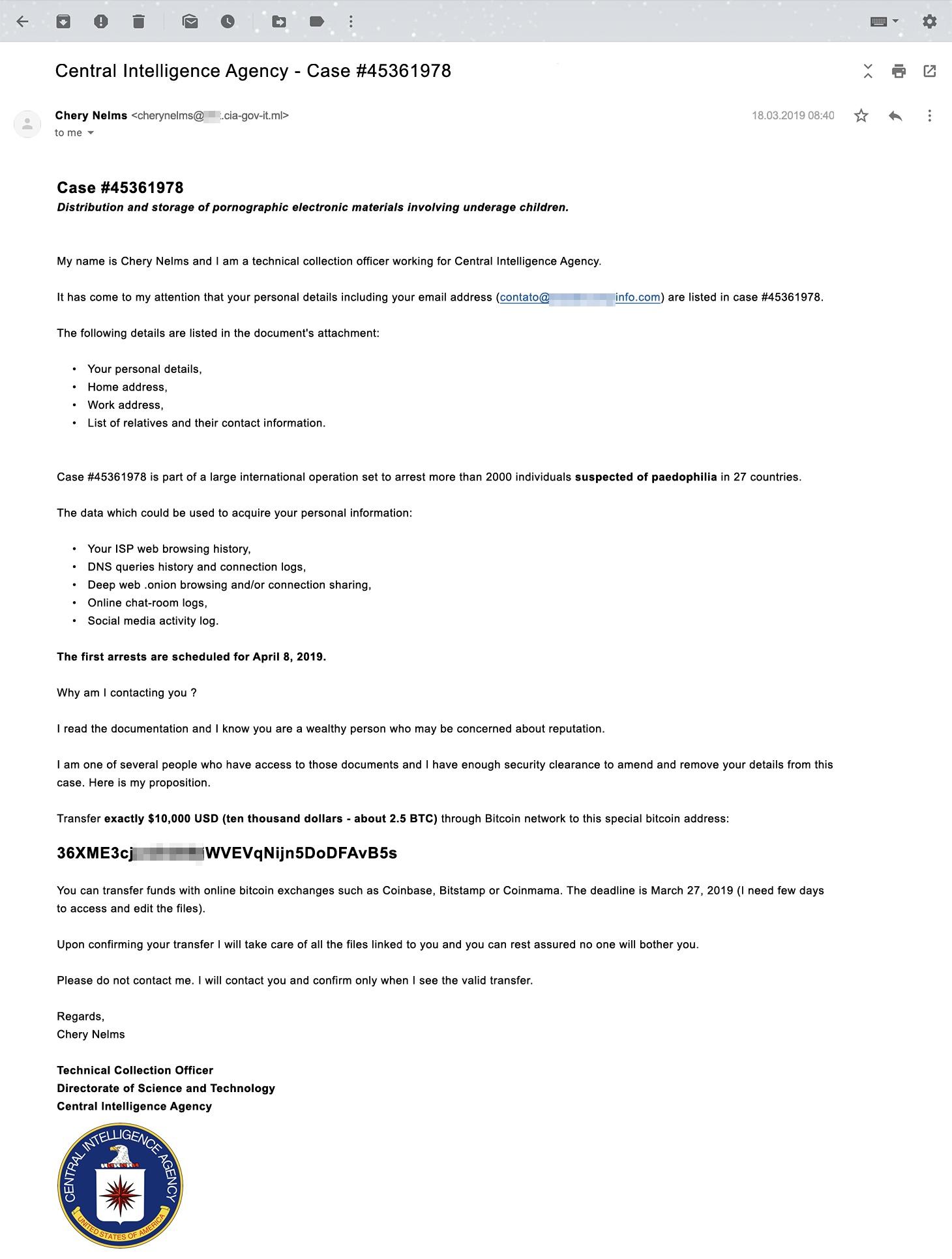 Esempio di e-mail di estorsione in cui l'utente viene minacciato di arresto per possesso di pornografia infantile.