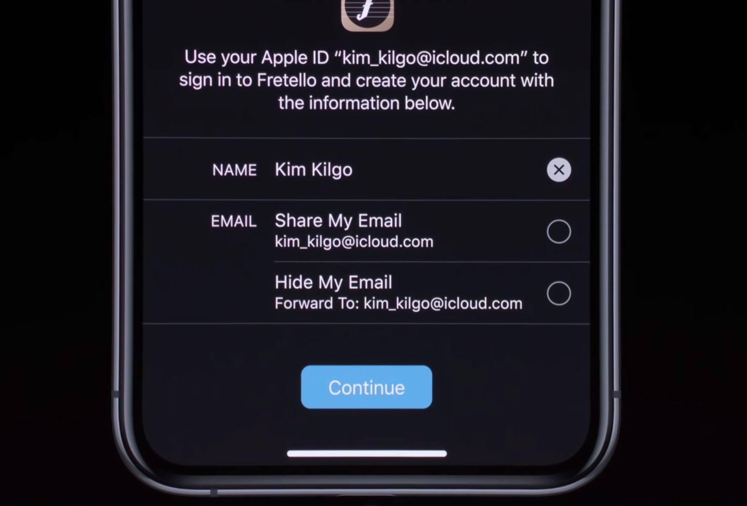 Sign In with Apple: scelta dell'indirizzo e-mail da usare per il login (reale o generata in modo casuale.