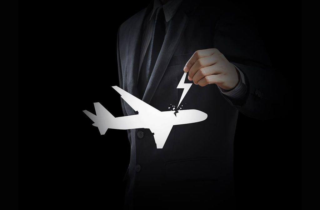 Воздушная тревога: что на самом деле хакеры могут сделать с современным самолетом?