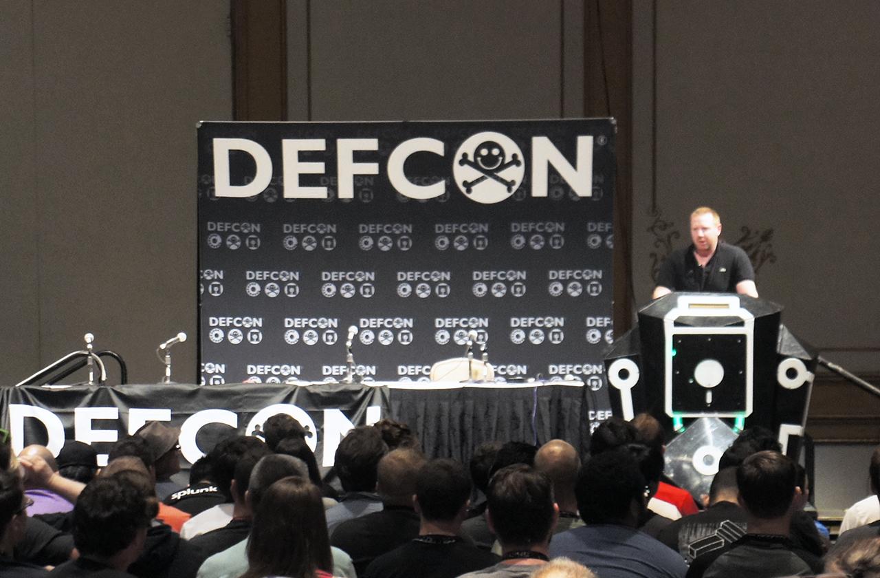 DEF CON 23: Как убить человека с помощью клавиатуры