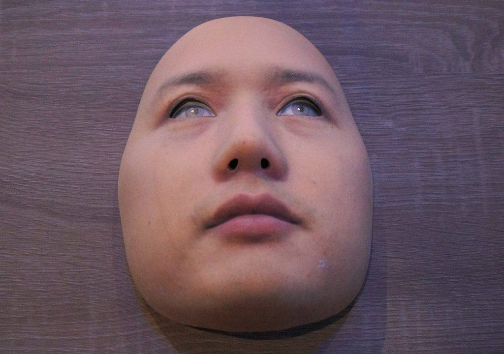 MWC 2017: fake face in Qualcomm booth
