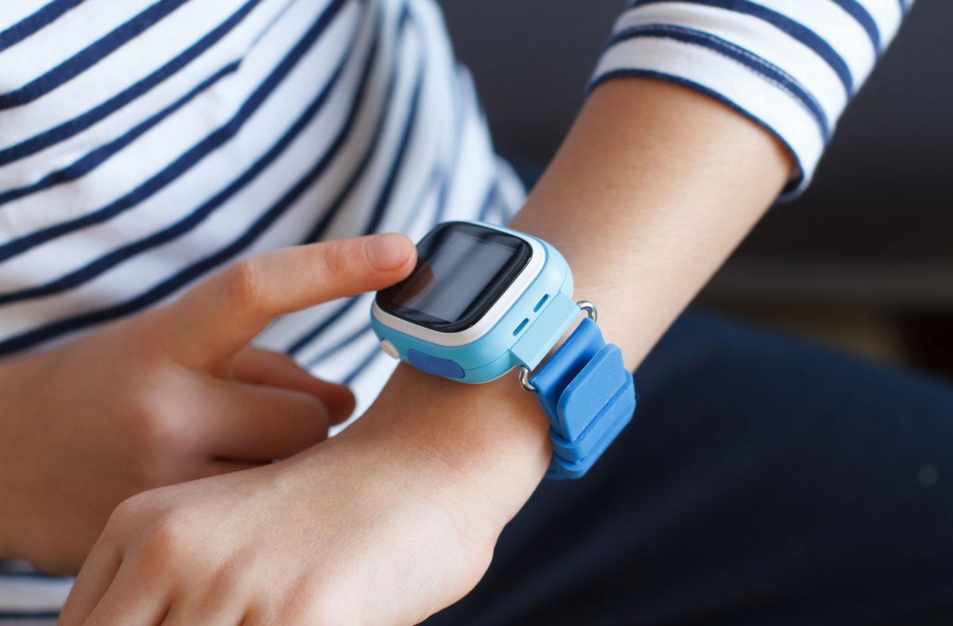 智能手表是最常见用于定位孩子的工具。